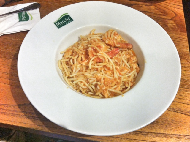 Spaghetti seafood with tomatto