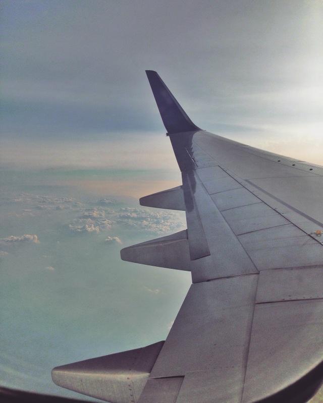 Langitnya bagus banget dari Jakarta ke Medan hahhah Gak kayak dari Medan ke Padang, banyak kabut.